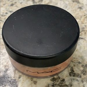 MAC Loose Beauty Powder - Sunspill